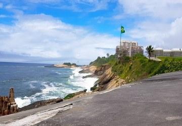 Saí do Brasil, mas o Brasil não sai de mim