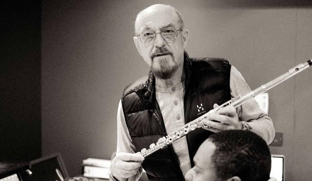 Ian Anderson, líder de Jethro Tull, sufre EPOC enfermedad incurable de cáncer de pulmón