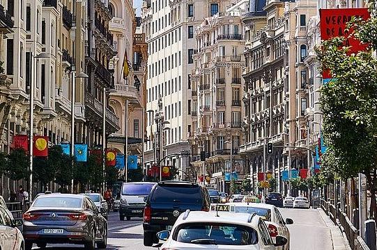 El coche, imprescindible diariamente para la mayoría de los conductores españoles