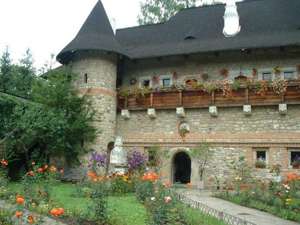 /Monasterio en Moldavia