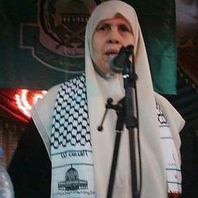 Khansa keffiyeh Quand Malik Obama, le frère de Barack Obama, rejoignit le Hamas et déclara: «Jérusalem est à nous; nous arrivons»