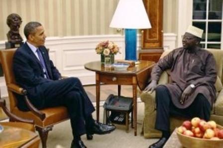 Obama Malik Oval office Quand Malik Obama, le frère de Barack Obama, rejoignit le Hamas et déclara: «Jérusalem est à nous; nous arrivons»