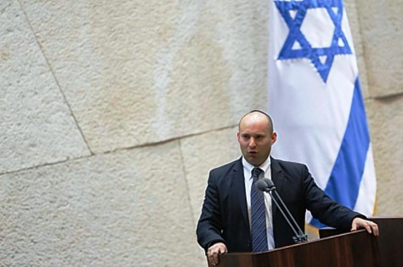 Mahmoud Abbas menace de démanteler l'A.P. Naftali Bennett à Abbas : Allez y ! Faites-moi ce cadeau !