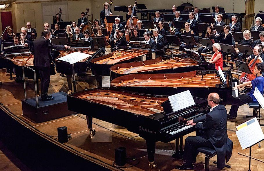 Ein Monster, ein Virtuose und sechs Klaviere