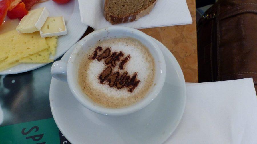 Café und Frühstück