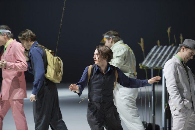 """Ensemble (Die Unschuldigen), Christopher Nell (""""Ich"""") (c) Monika Rittershaus"""