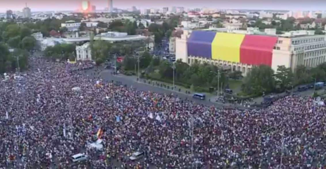 Romania Sees Renewed Anti-government Protests after Friday's Violent Clashes with Riot Police
