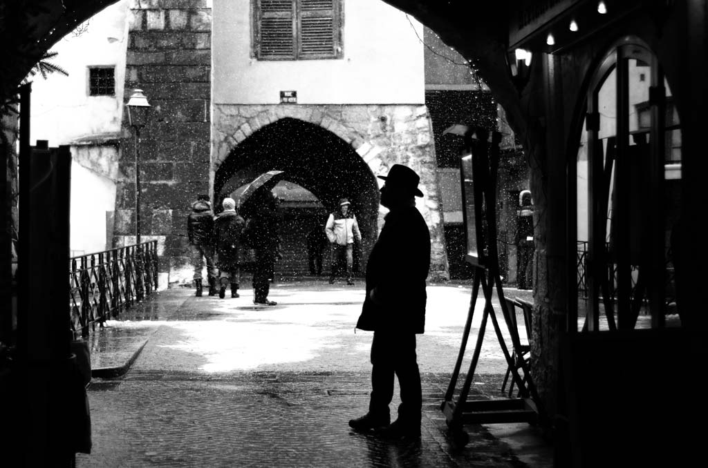 Annecy silhouette The rue de pont morens Annecy