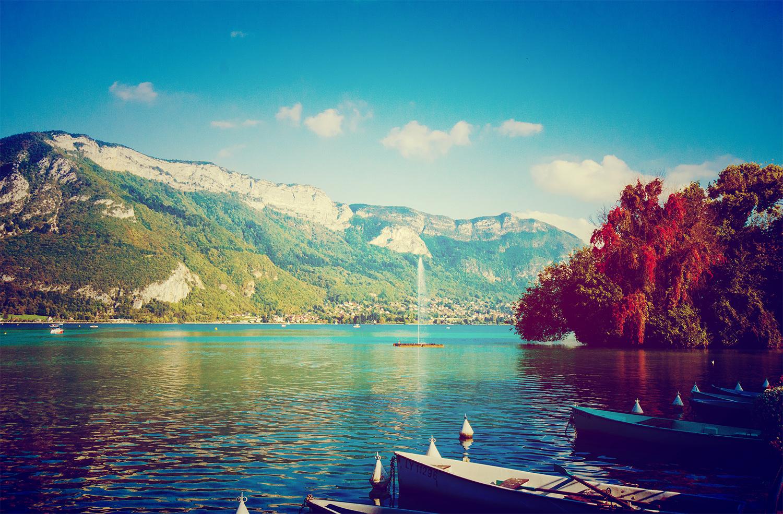 Lake Annecy in Autumn (Lac d'Annecy à l'automne)