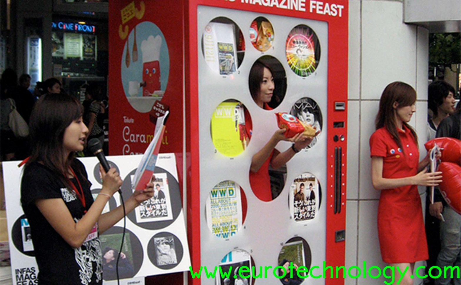 Human vending machine in Tokyo Catching attention on the world's most busy crossing: Shibuya Hachiko