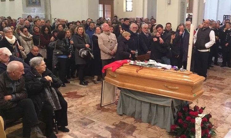 L'ultimo saluto a Luciano Zazzeri Il ricordo dei figli: «Orgogliosi di lui»