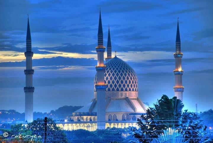 مسجد السلطان صلاح الدين عبد العزيز سلاغور ماليزيا
