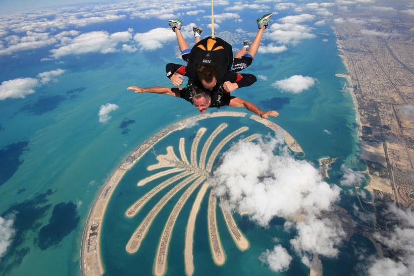 سكاي دايف دبي Skydive Dubai