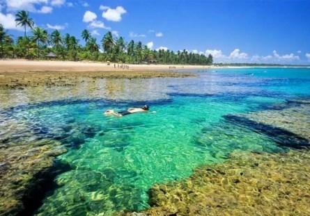 10-destinos-nacionais-para-visitar-quando-a-quarentena-acabar-peninsula-de-marau-melhores-destinos