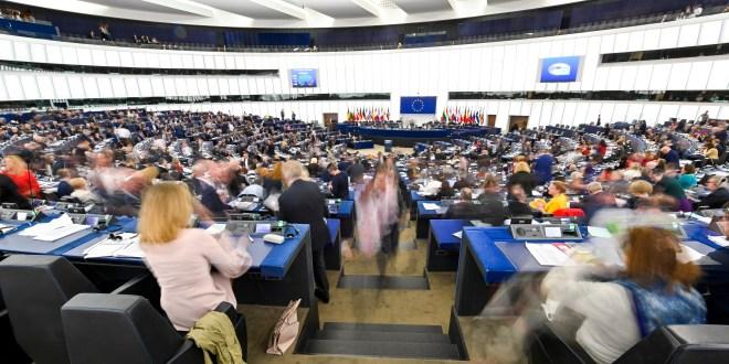 Parlament bestätigt neue CO2-Emissionsgrenzwerte für Lkws