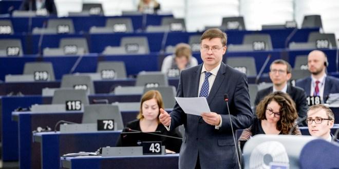 Parlament verstärkt Unterstützung für EU-Forschung und Erasmus
