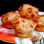 Pumpkin spice Greek yogurt muffins with pumpkin spiced chips