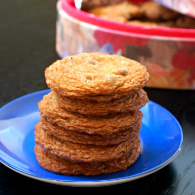 """Alton Brown's """"The Chewy"""" chocolate chip cookie"""