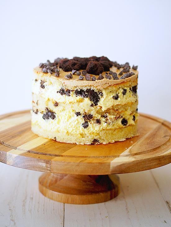 momofuku milk bar chocolate chip cake