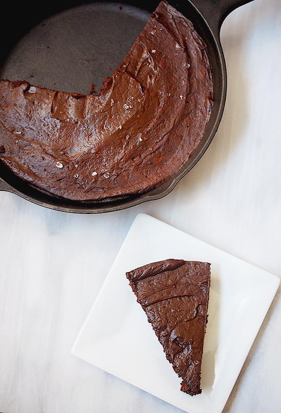 Fudgy skillet brownie