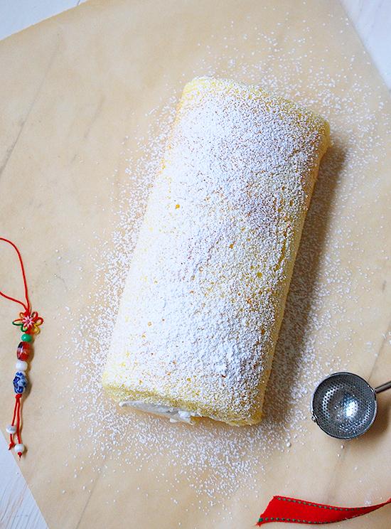 Chinese vanilla roll cake