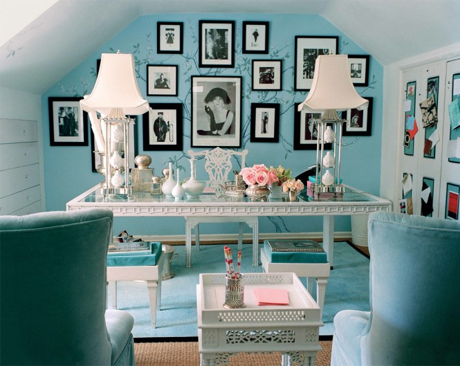 Neutral Beige Room Splashed With Blue And Turquoise