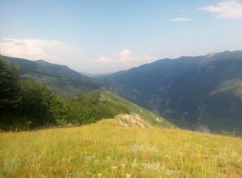 Rakitnica_Canyon_hiking_via_dinarica_white_trail_bosnia_and_herzegovina