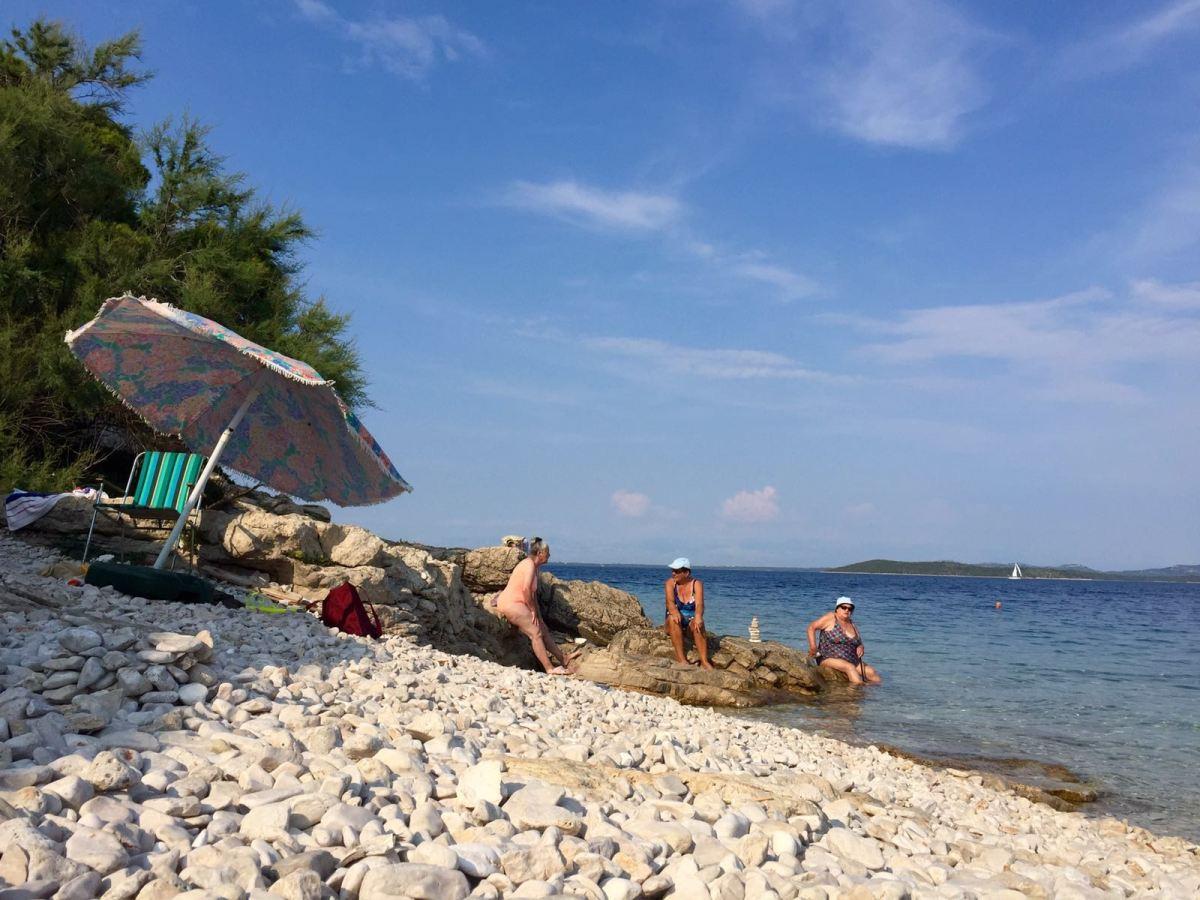 Savar-locals-dugi-otok-croatia