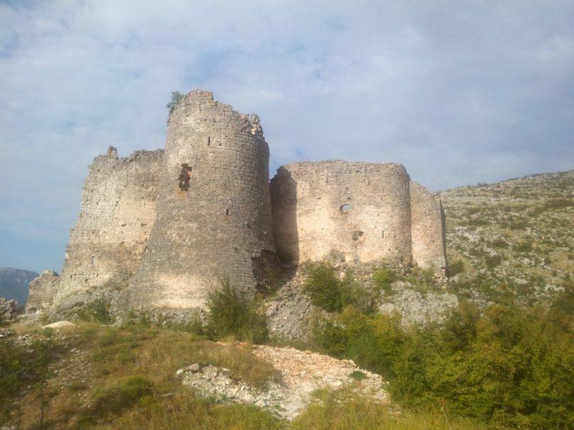 Hiking_via_Dinarica_white_trail_Dinara_Croatia