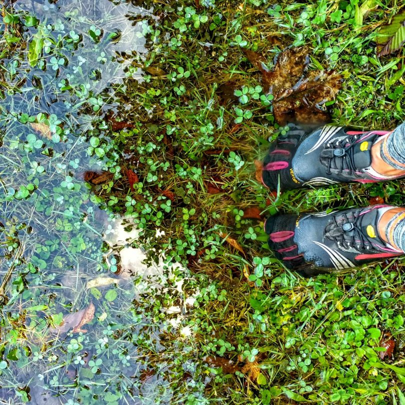 Vibram_FiveFingers_under_water
