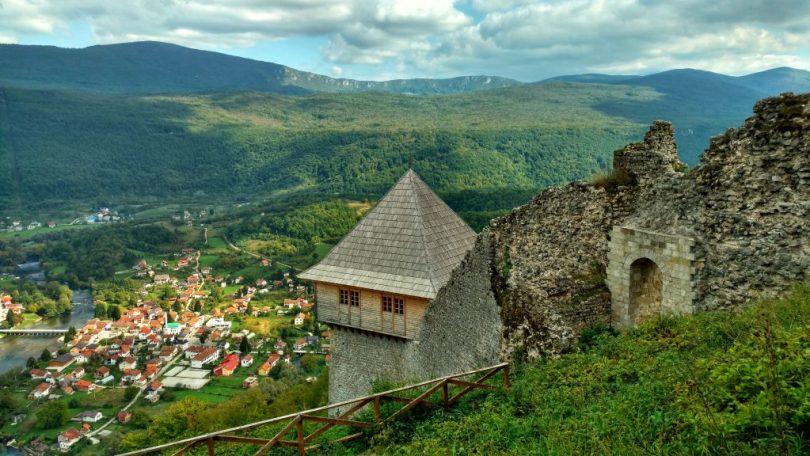 Kulen_Vakuf_view_from_castle_Ostrovivca