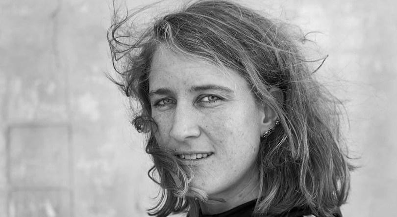 Black and White portrait Eva Smeele by Kristel Rozenbeek