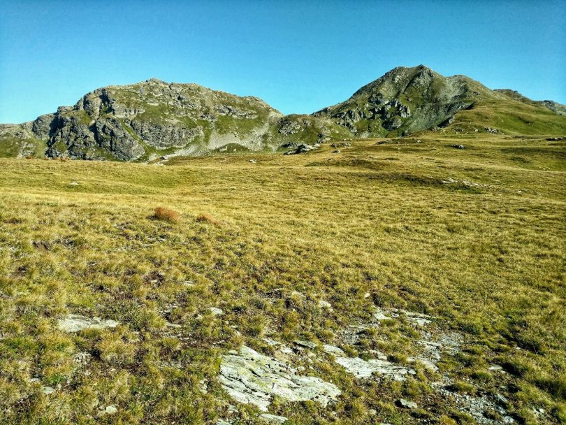 Grassy mountains on the Macedonian Traverse