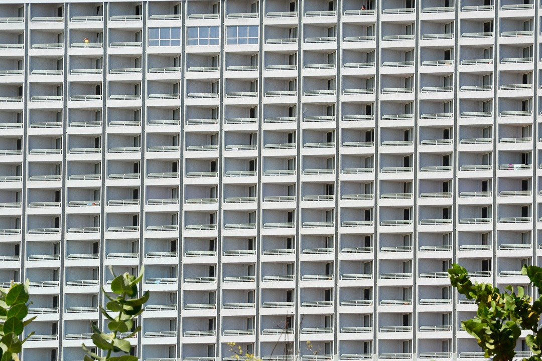 Aruba giant hotel