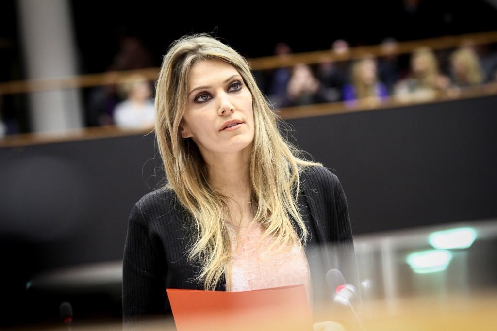 Ευρωπαϊκή Ένωση, Ήξεις Αφ(ί)ήξεις