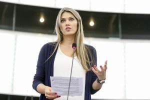 Υιοθετήθηκε το νομοσχέδιο της συμμετοχικής χρηματοδότησης - crowdfunding