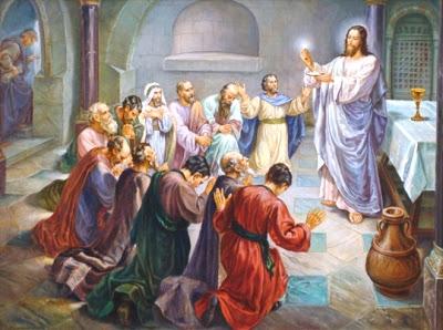jesus-dando-la-comunion-a-los-apostoles