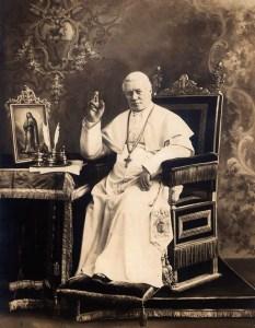 San-Pio-revolucionario