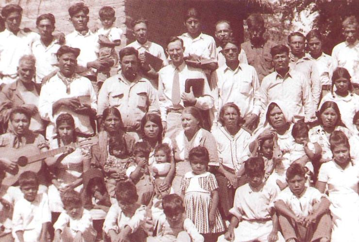 Vessie D. Hargrave (center) with a congregation in Navolato, Sonora, Mexico, in the 1940s