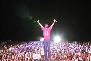 Luke-Bryan-CountryMusicIsLove