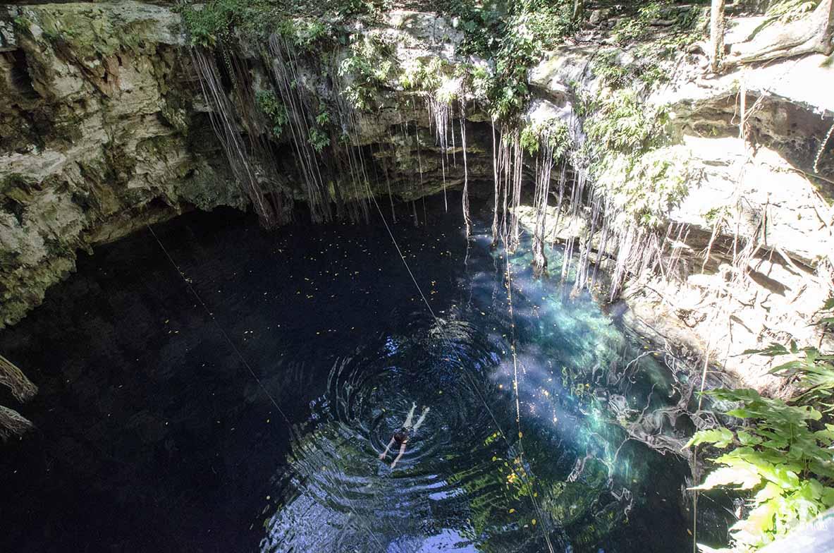 Cenote Yaxunah