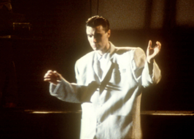 STOP MAKING SENSE, David Byrne, 1984, big suit