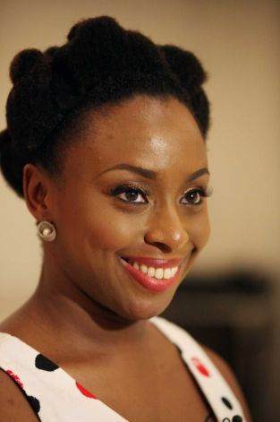 chimamanda_Adichie-Natural-Hair-who-wore-it-bestEvatese-Blog