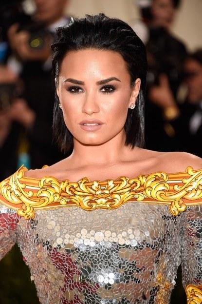 Demi-Lovato-Met-Gala-2016