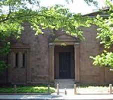 Yale_Skull_and_Bones_Tomb