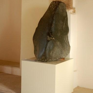 De kegelvormige steen die Aphrodite verpersoonlijkte