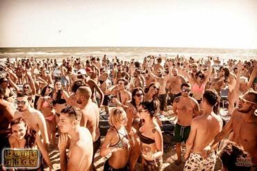 Domenica 30 luglio Best Show Mecs Village Beach party 3334658024