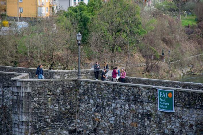 Ponte di Agnona con FAI foto di Marco Bovolenta