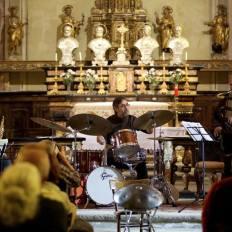 """2017, Michel Godard, basso tuba, serpentone, basso elettrico, Roberto Martinelli, sax, Francesco D'Auria, percussioni; concerto jazz """"Le sonnet oubliè"""" (foto M. Fradegrada)"""