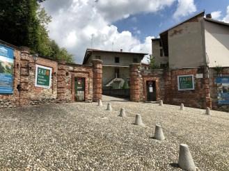 Entrata viale Villa Caccia